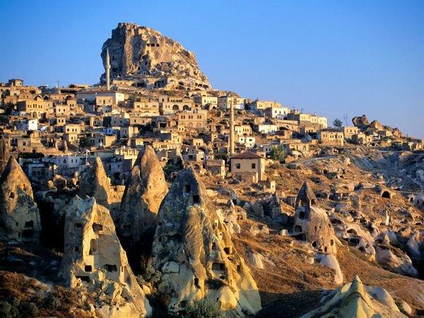 cappadocia-tuff-hills-and-cave
